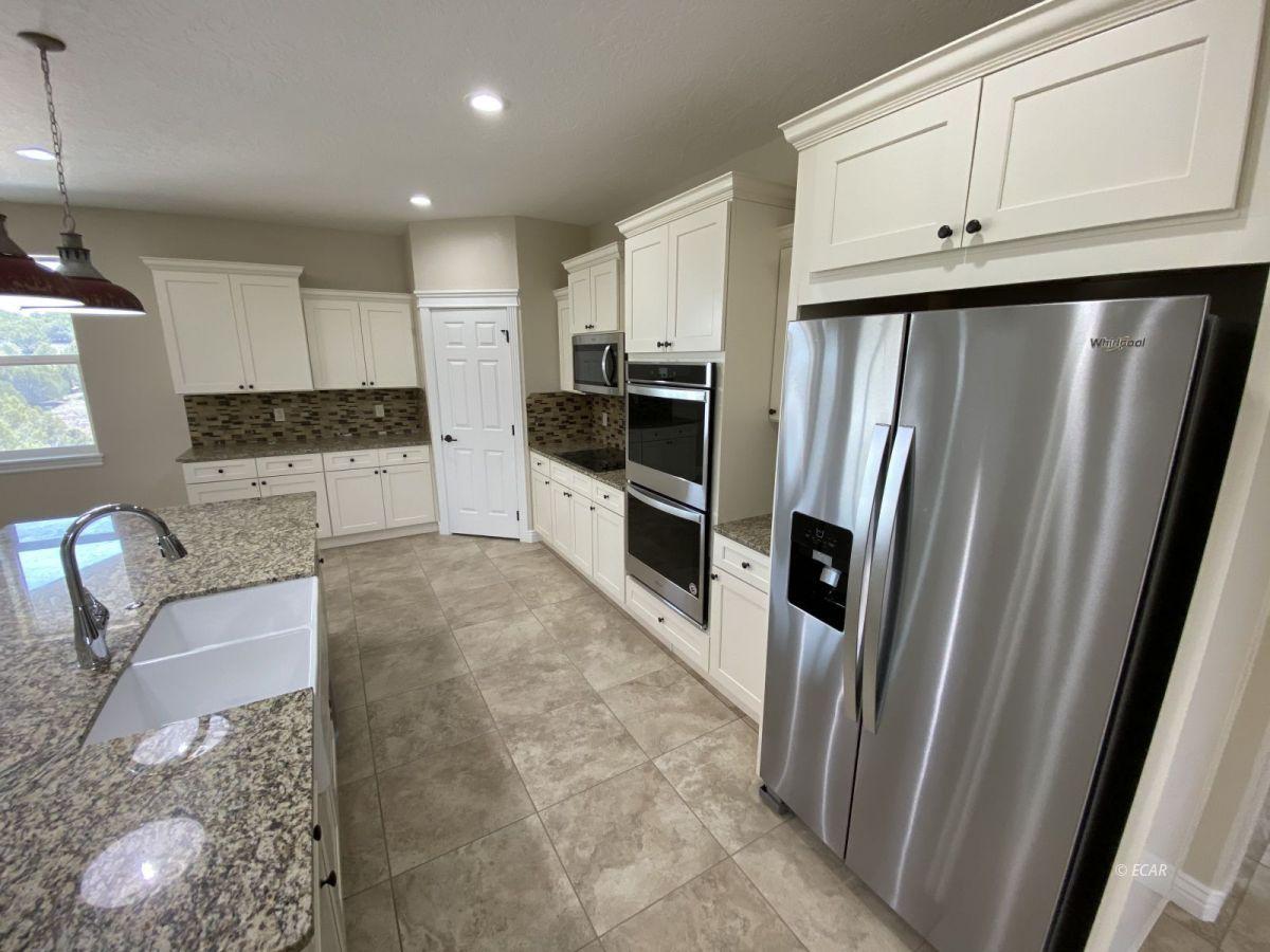 651 Spring Creek Parkway Property Photo 10