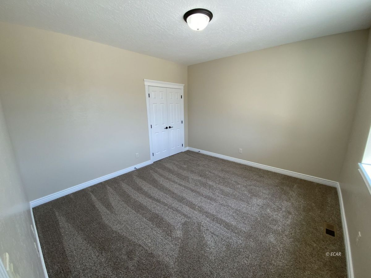 651 Spring Creek Parkway Property Photo 15