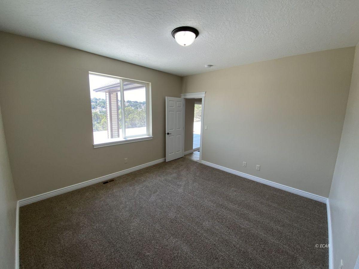 651 Spring Creek Parkway Property Photo 16