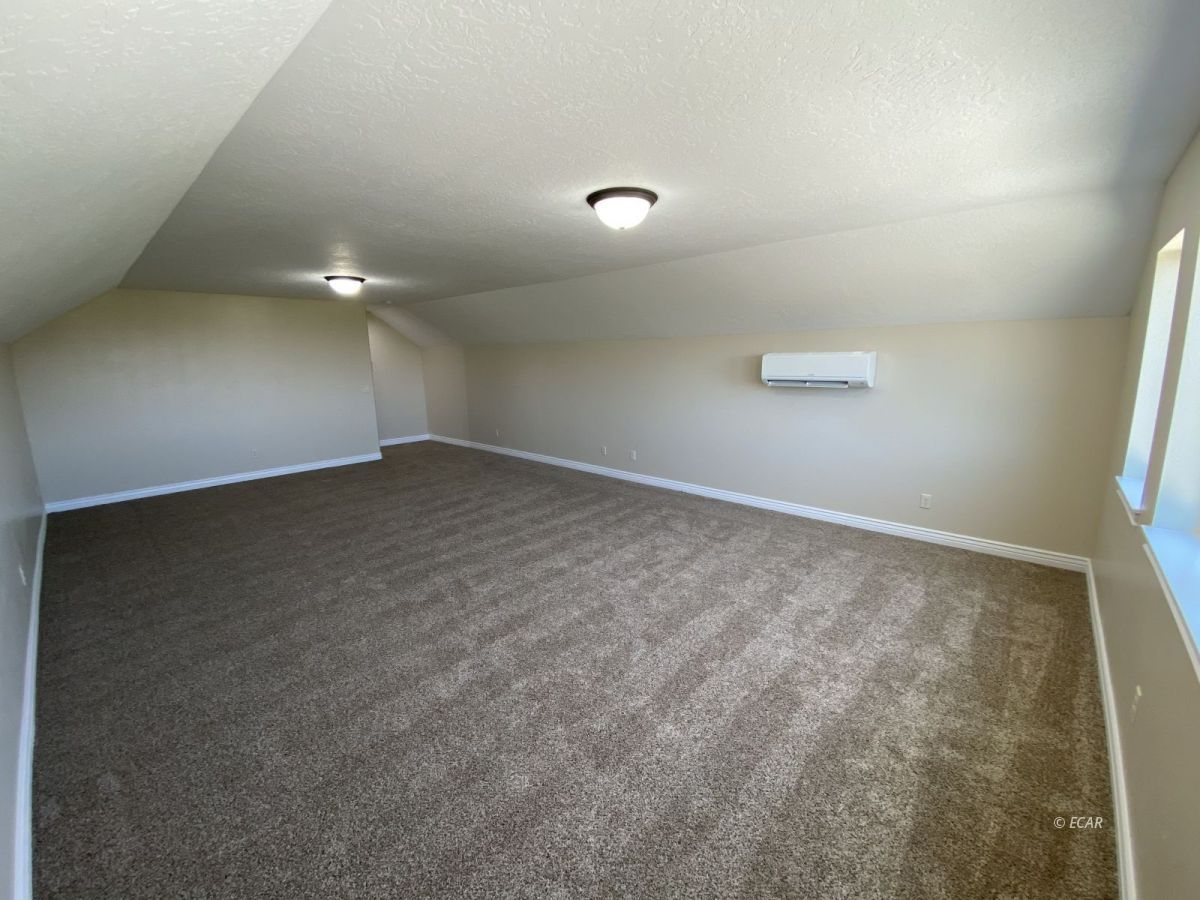 651 Spring Creek Parkway Property Photo 31