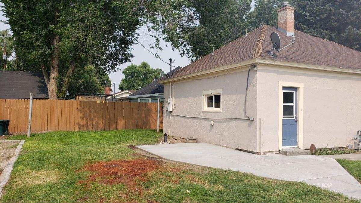 303 Oak Street Property Photo 25