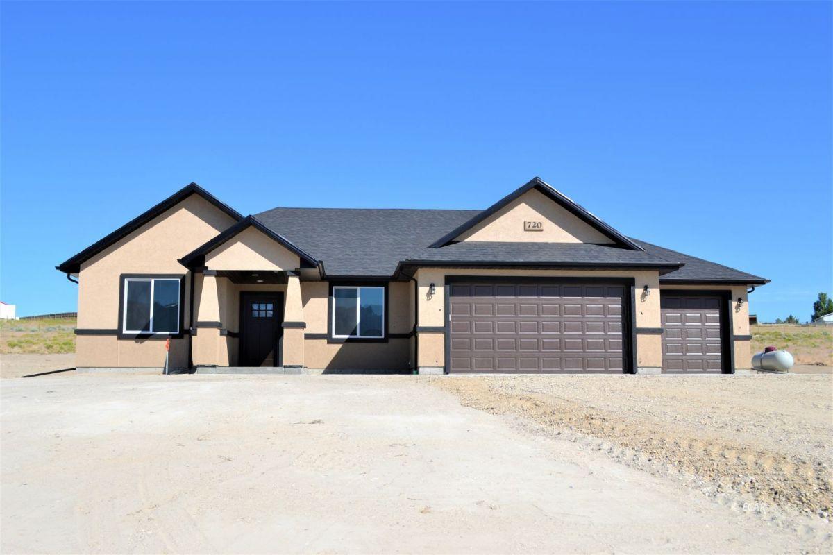 354 Thoroughbred Drive Property Photo 1