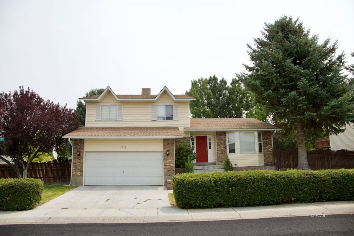 Clover Hills Es Real Estate Listings Main Image