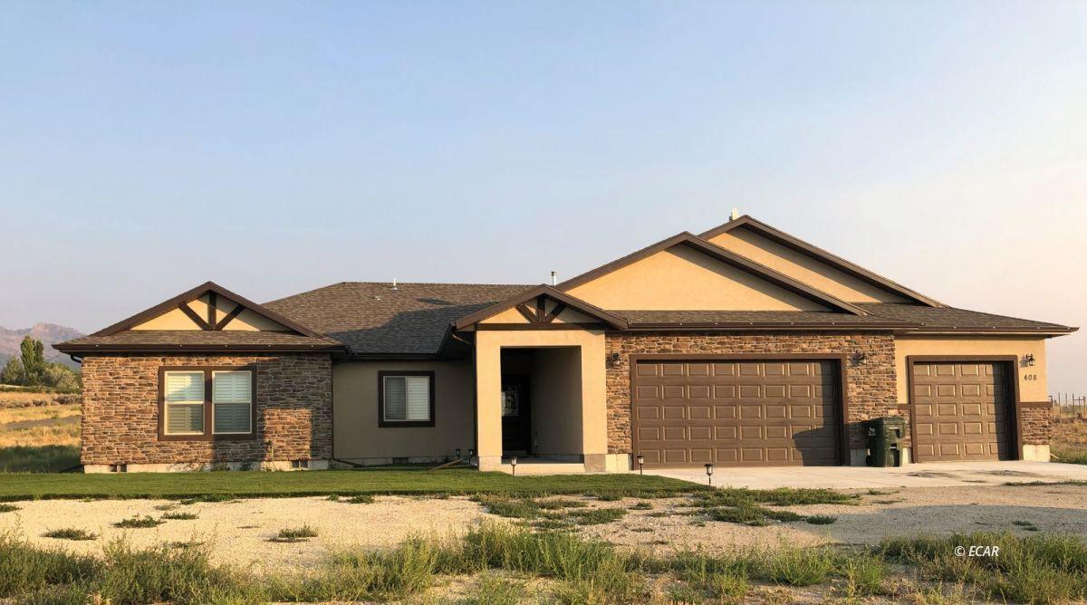 408 White Oak Drive Property Photo 1