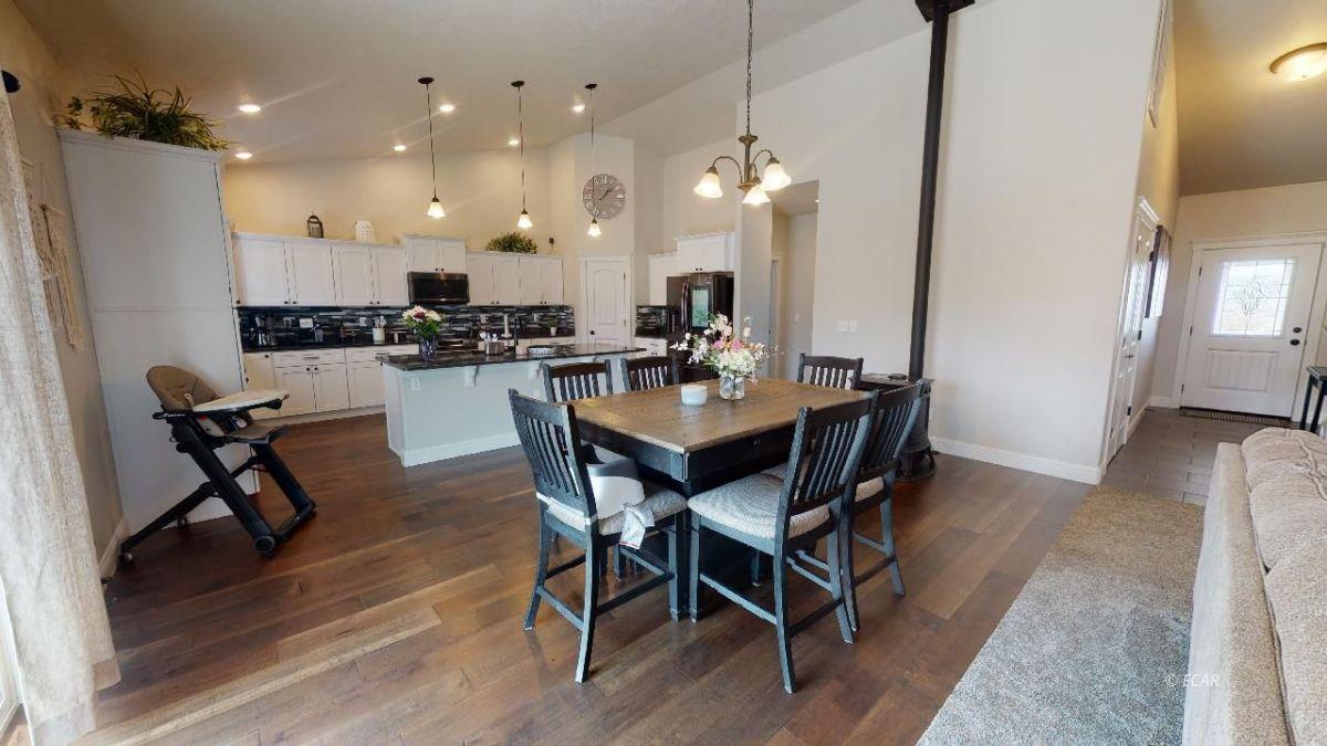 408 White Oak Drive Property Photo 7