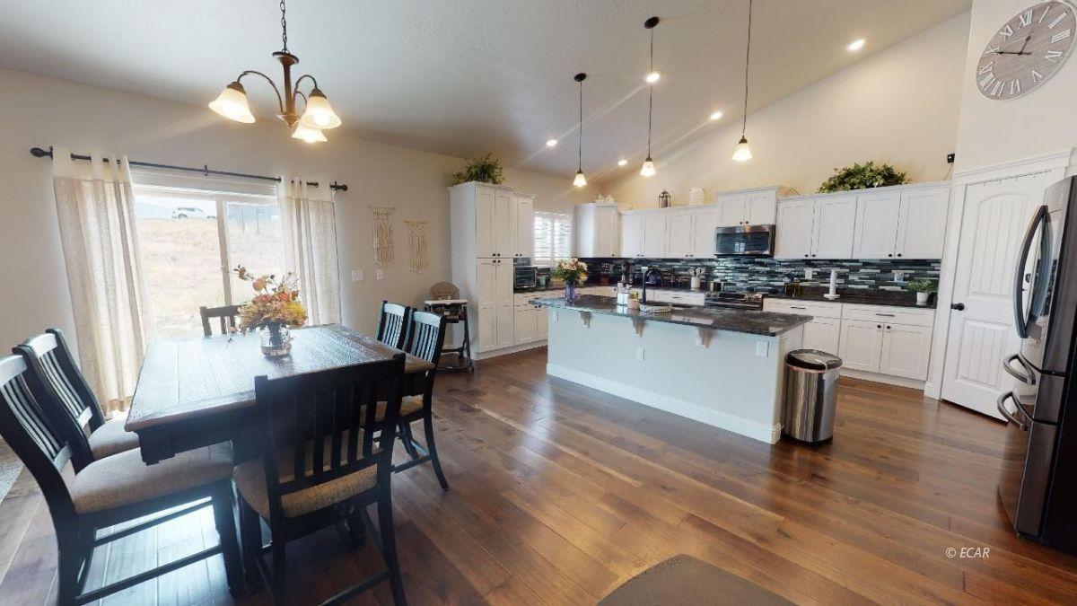 408 White Oak Drive Property Photo 9