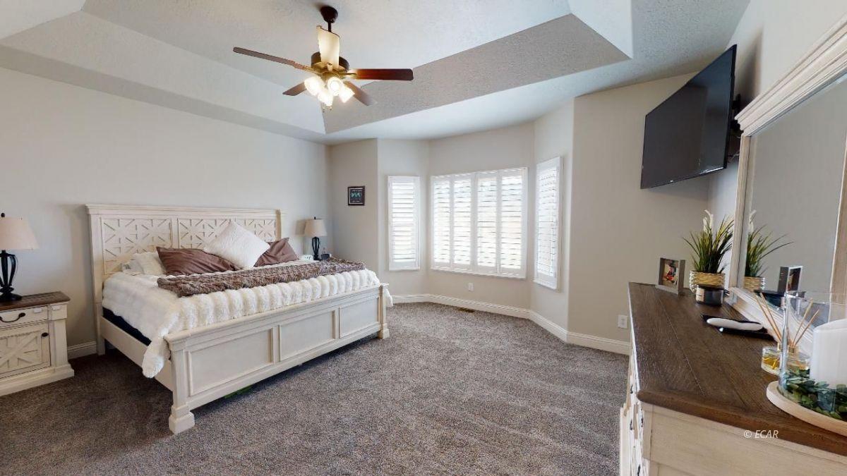 408 White Oak Drive Property Photo 14