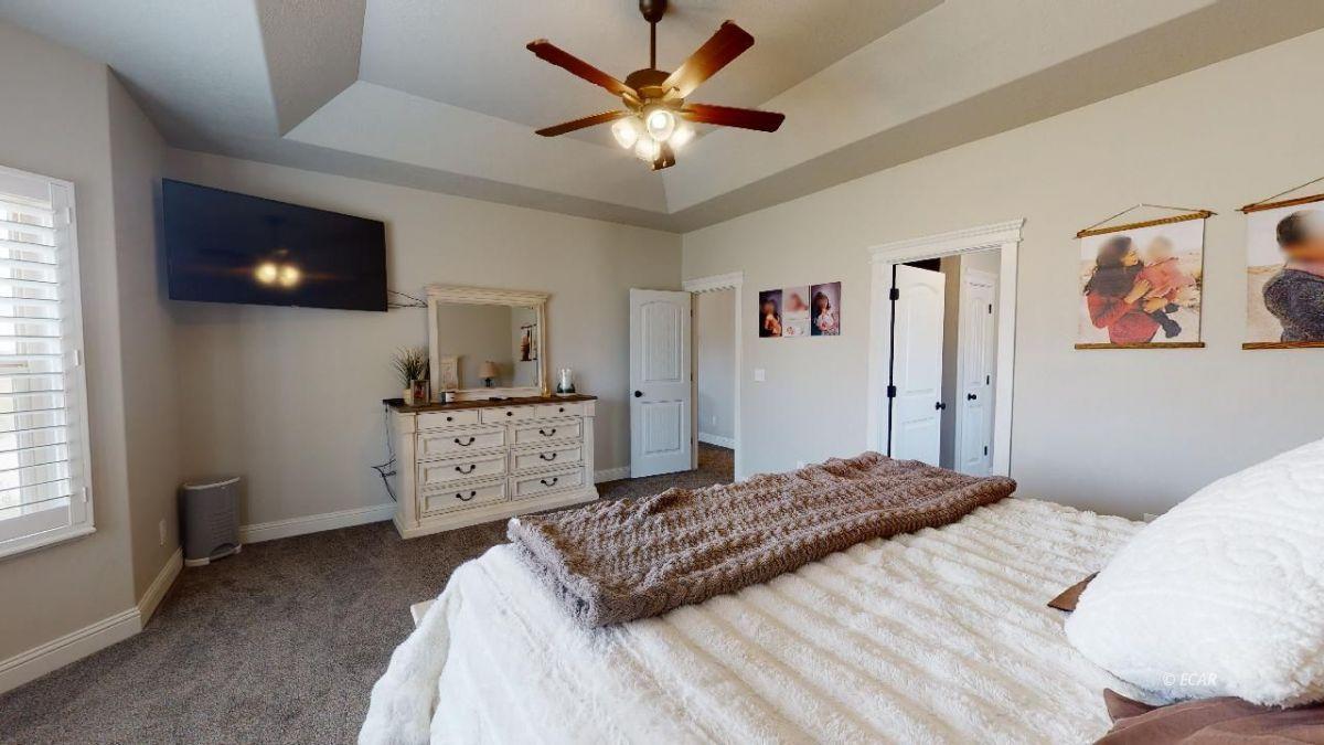 408 White Oak Drive Property Photo 15