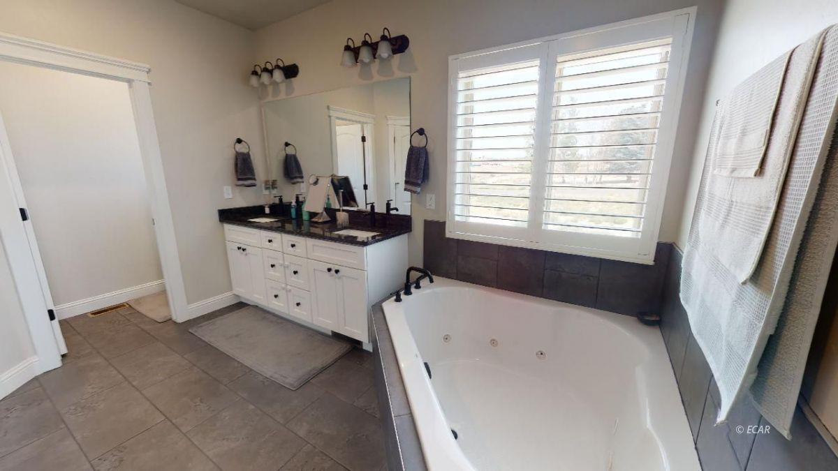 408 White Oak Drive Property Photo 18