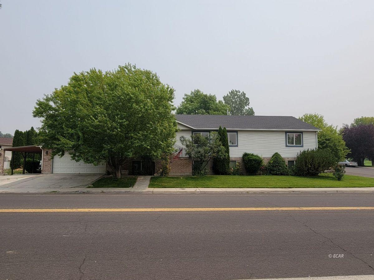 825 West Sage Street Property Photo 1