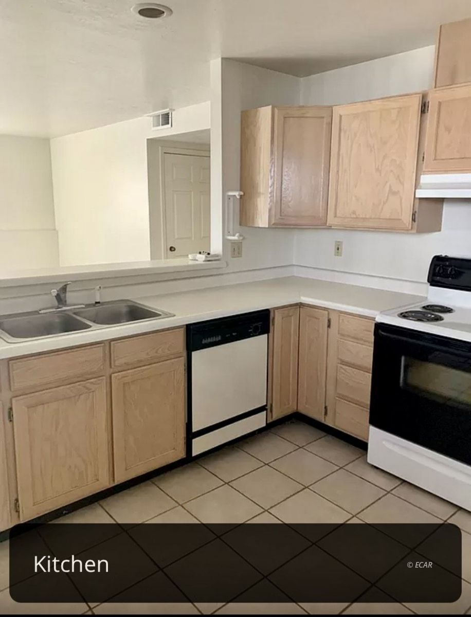 825 West Sage Street Property Photo 29