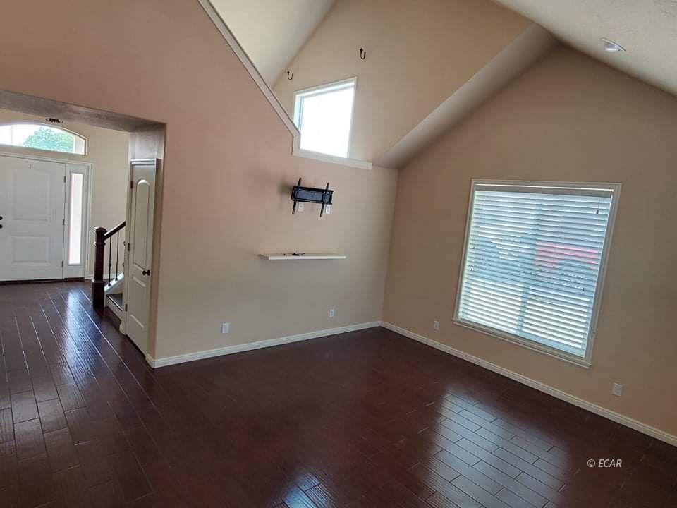 2660 Tibbets Boulevard Property Photo 6