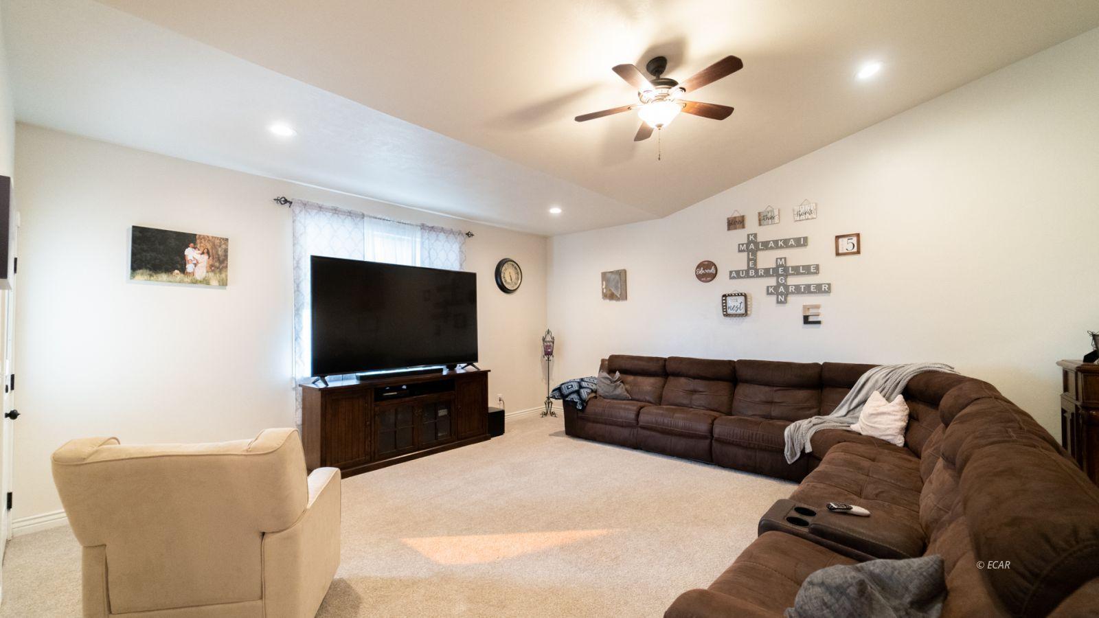 551 Shadybrook Drive Property Photo 24