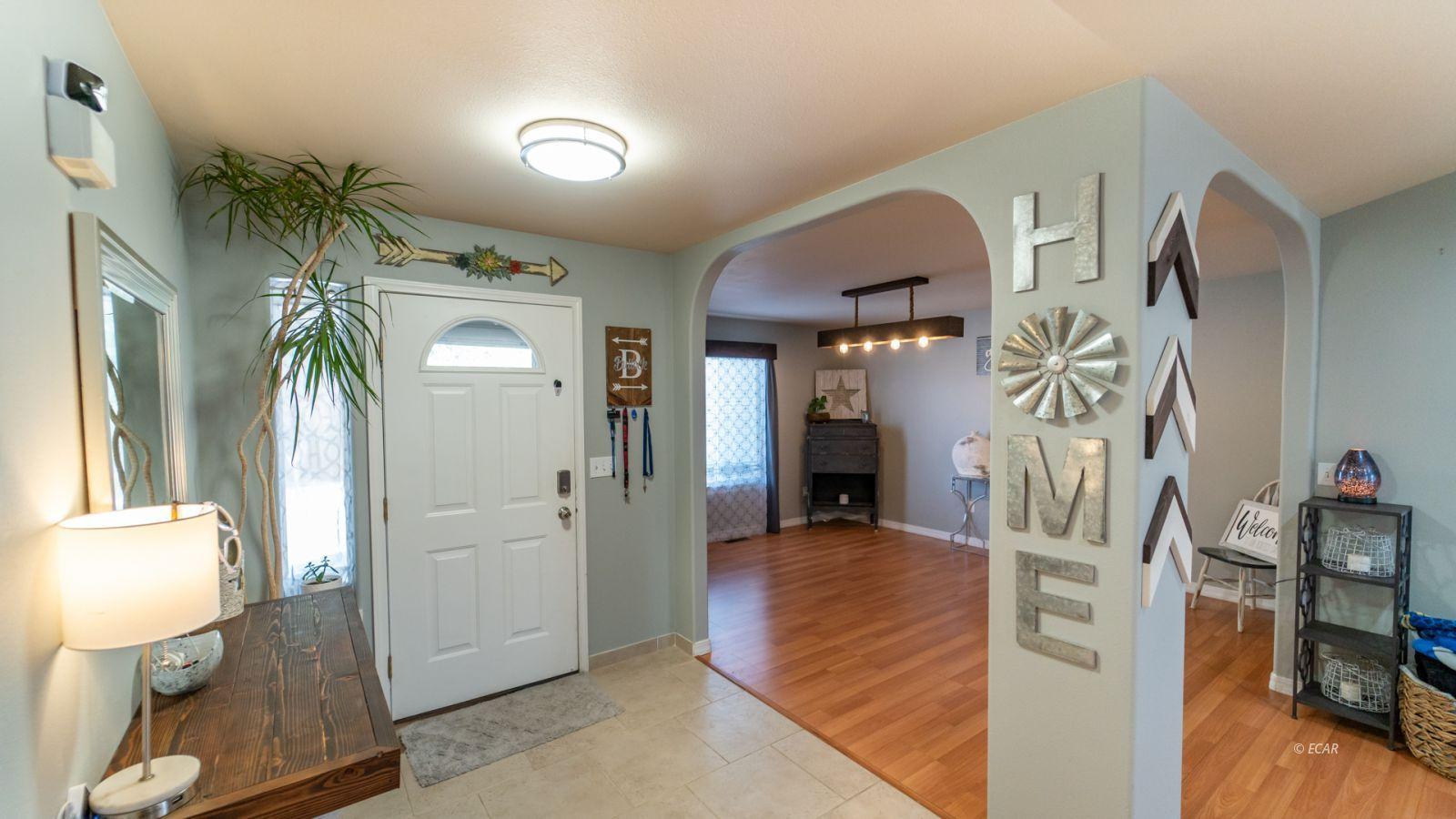 944 Blue Jay Drive Property Photo 2