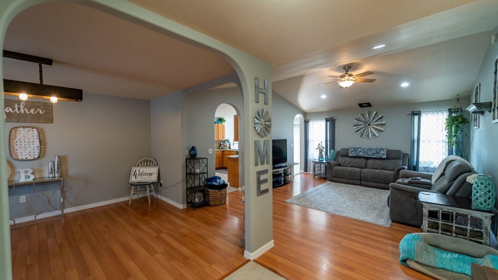 944 Blue Jay Drive Property Photo 3