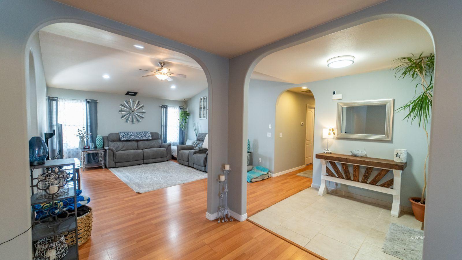 944 Blue Jay Drive Property Photo 5