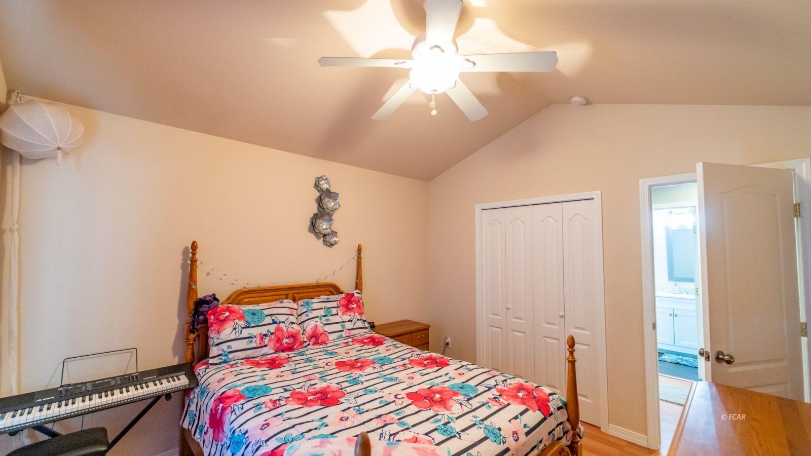 944 Blue Jay Drive Property Photo 23