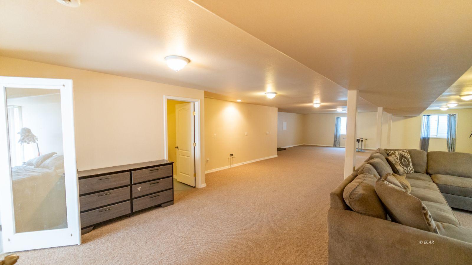 944 Blue Jay Drive Property Photo 26