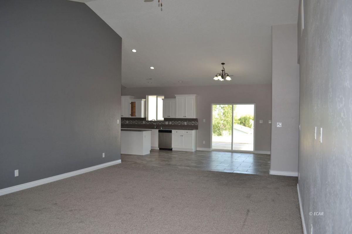 984 Eisenhower Avenue Property Photo 7