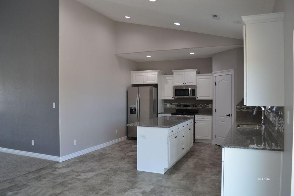 984 Eisenhower Avenue Property Photo 9