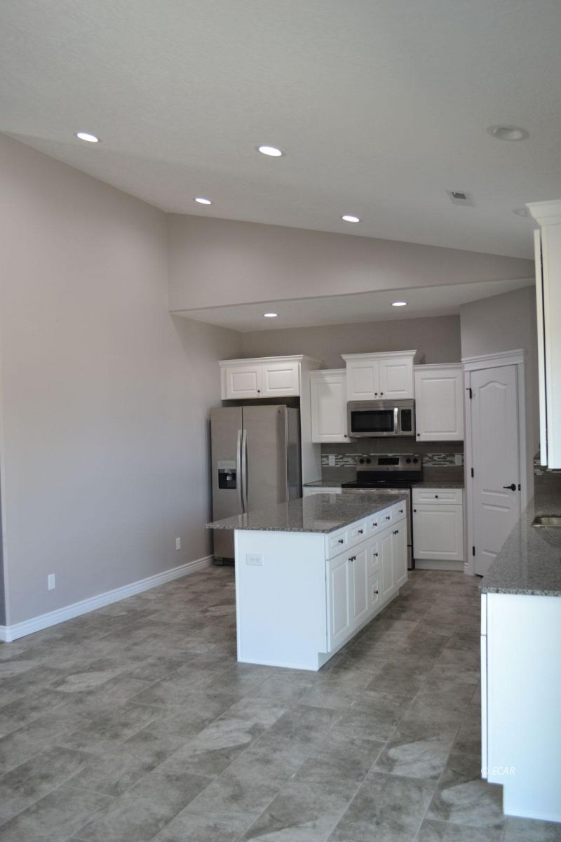 984 Eisenhower Avenue Property Photo 10