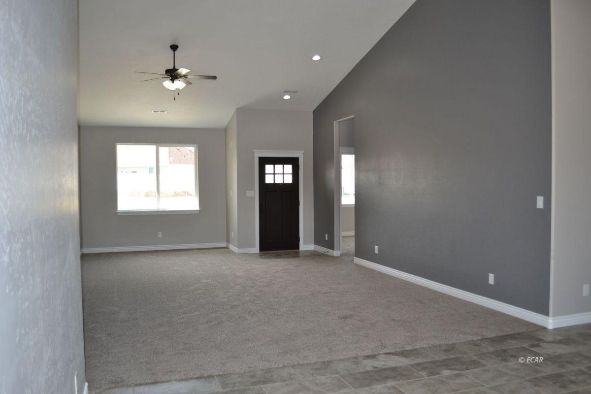 984 Eisenhower Avenue Property Photo 11