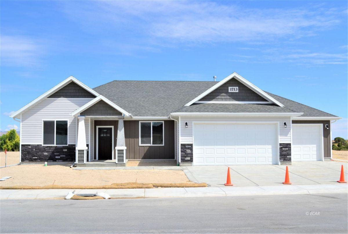 987 Eisenhower Avenue Property Photo 1