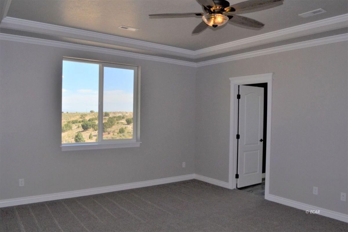 987 Eisenhower Avenue Property Photo 15