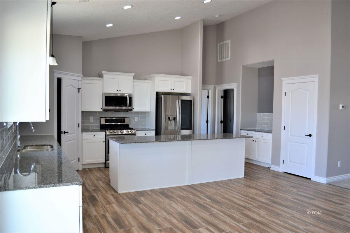987 Eisenhower Avenue Property Photo 19
