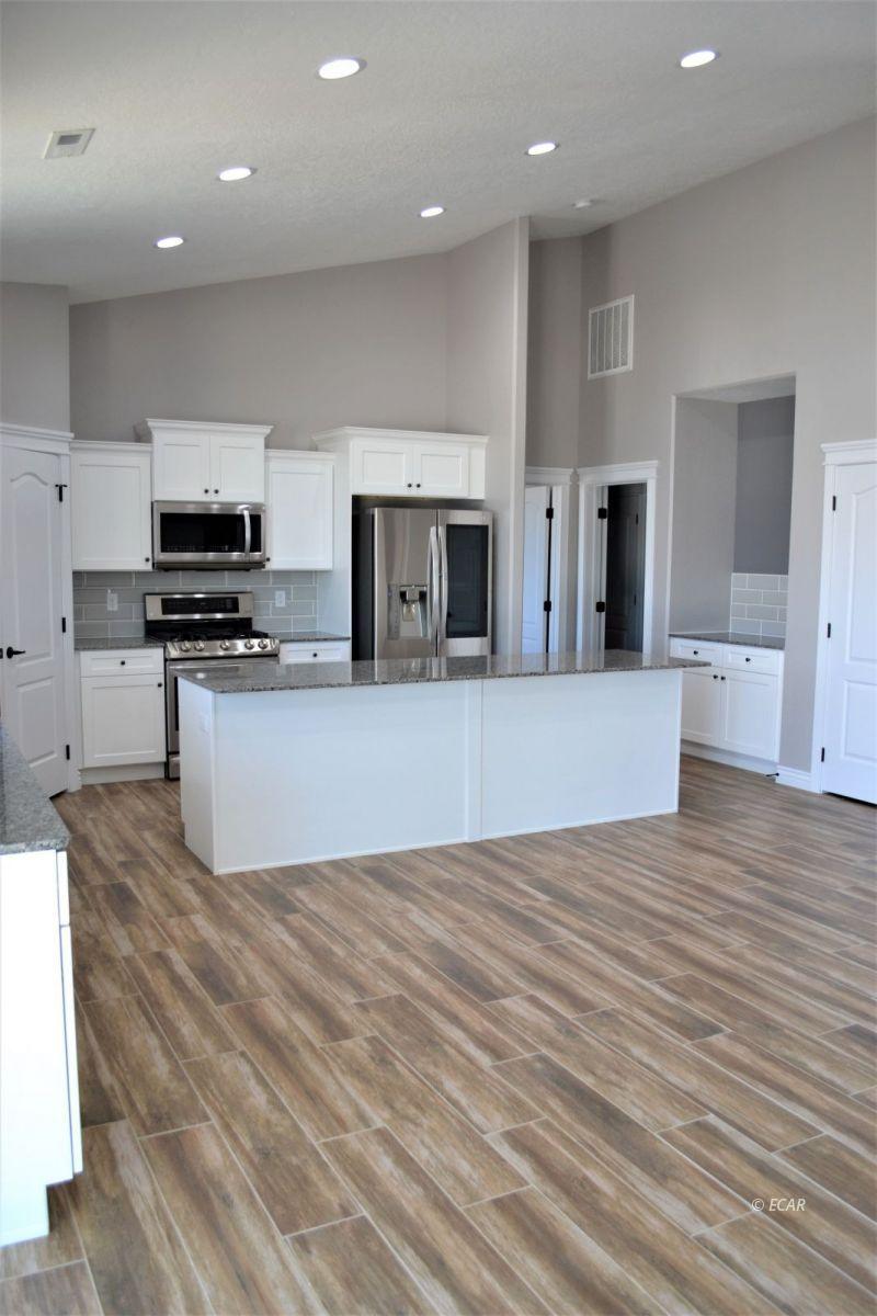 987 Eisenhower Avenue Property Photo 20