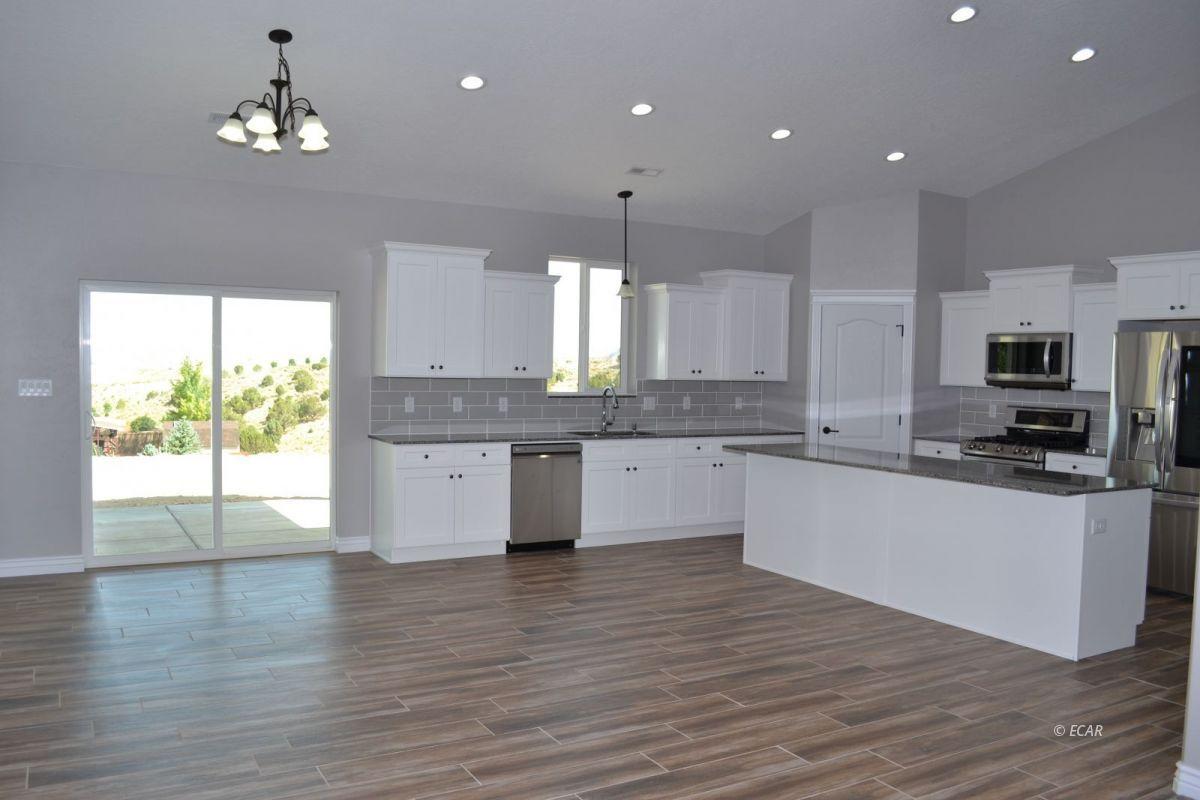 987 Eisenhower Avenue Property Photo 22