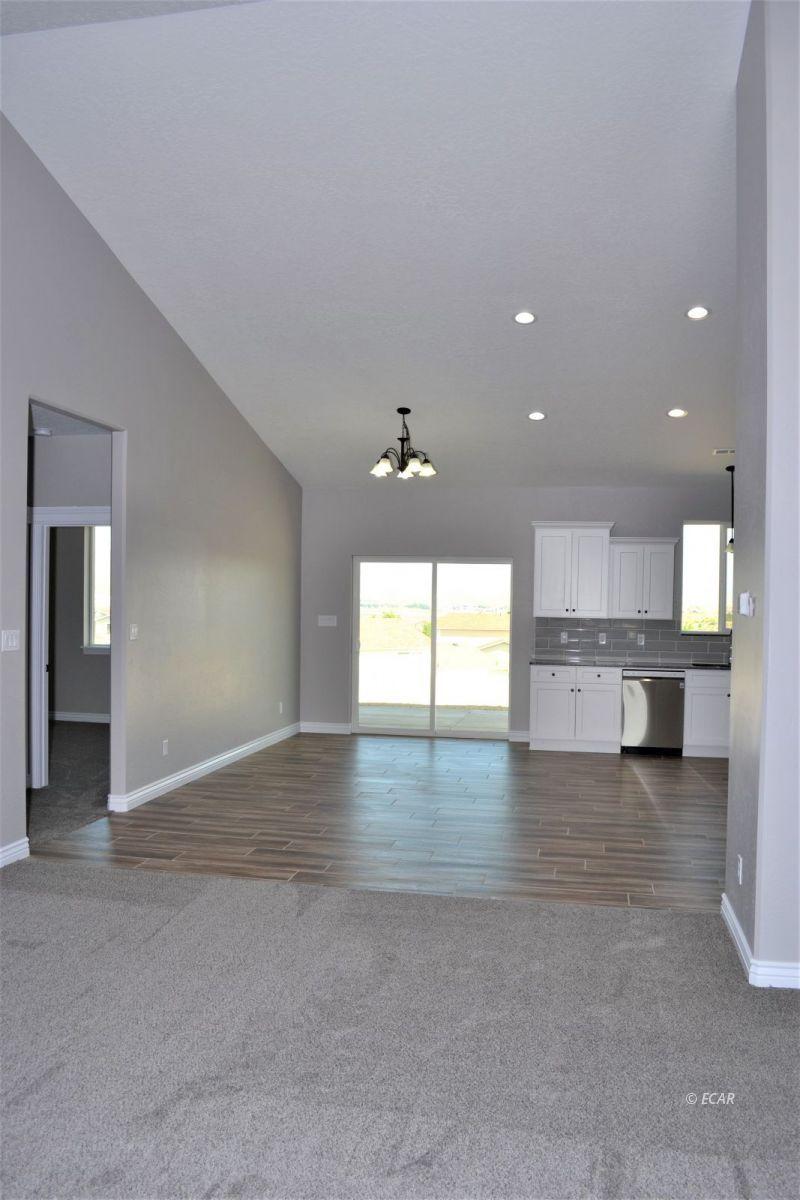 987 Eisenhower Avenue Property Photo 26