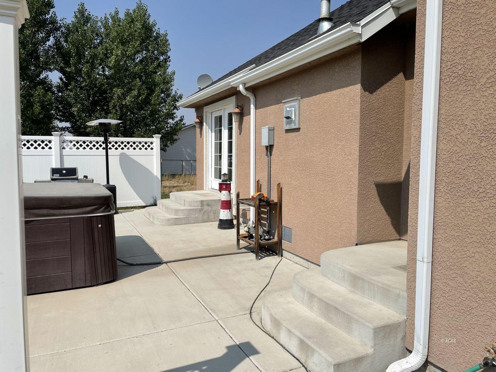 260 Edgebrook Drive Property Photo 5