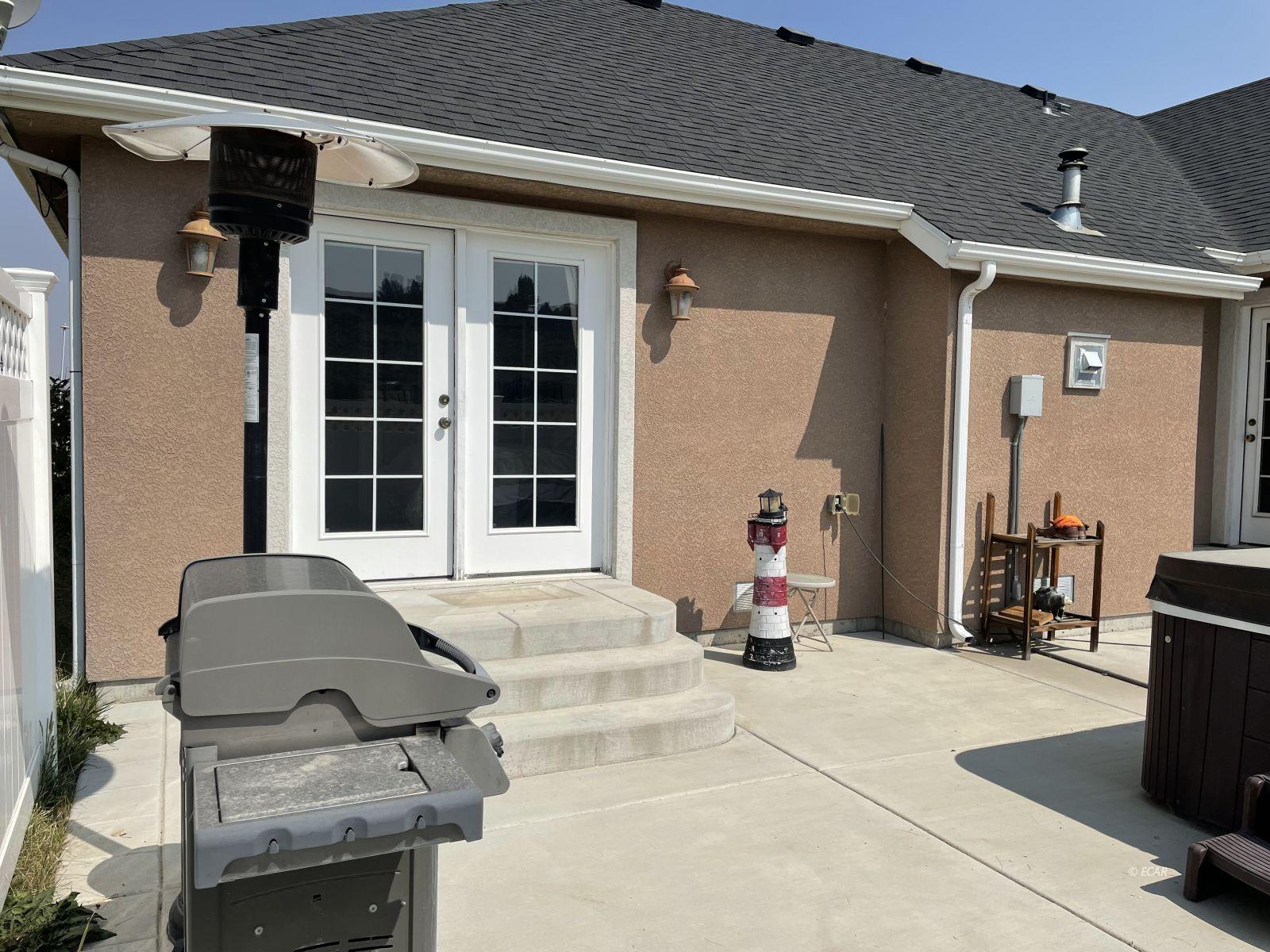 260 Edgebrook Drive Property Photo 9