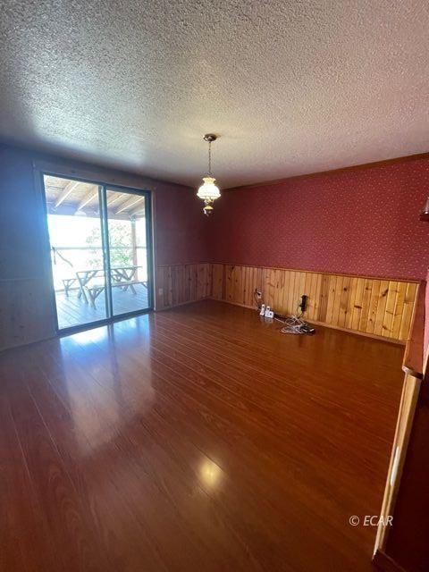 349 Lazy T Lane Property Photo 8