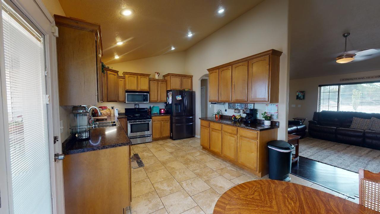 574 Cripple Creek Drive Property Photo 7