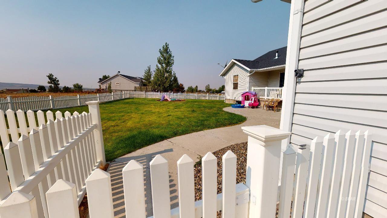 574 Cripple Creek Drive Property Photo 28