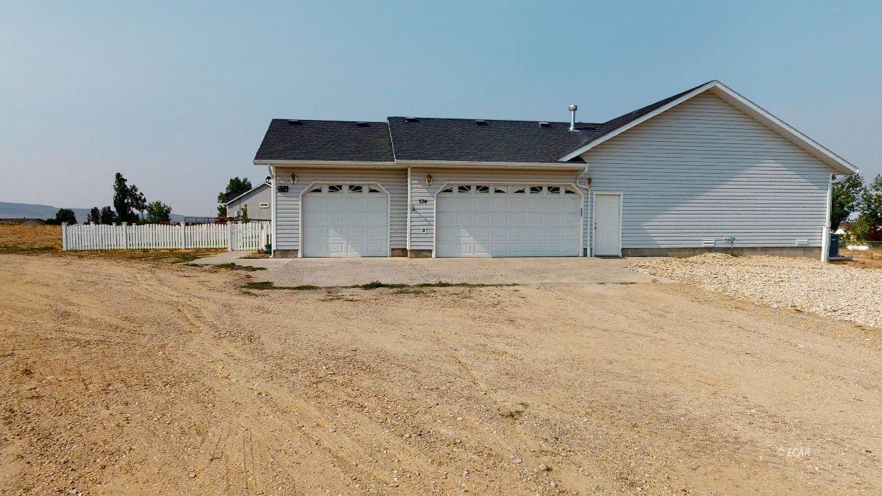 574 Cripple Creek Drive Property Photo 32