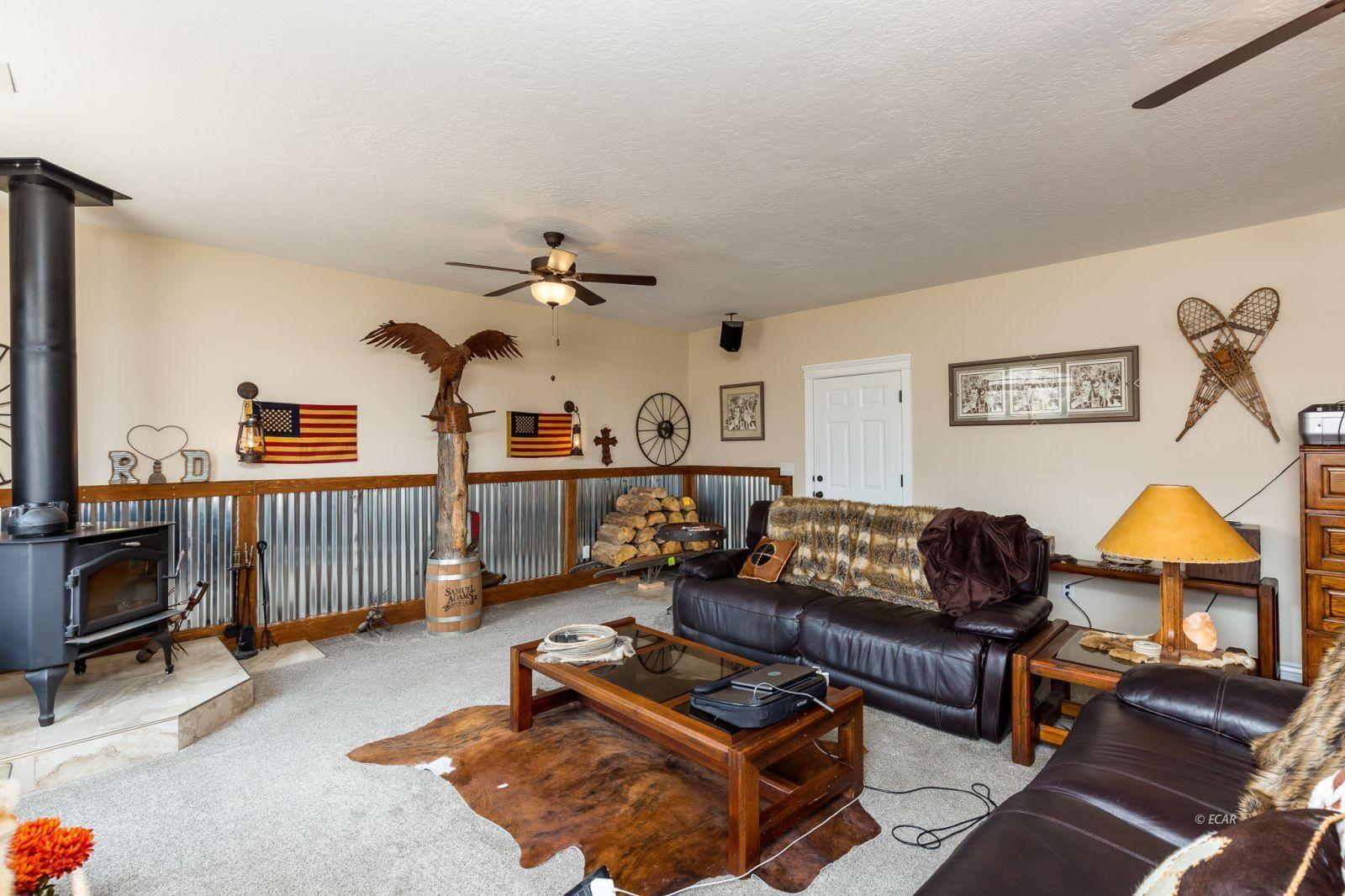 648 Spring Creek Parkway Property Photo 4