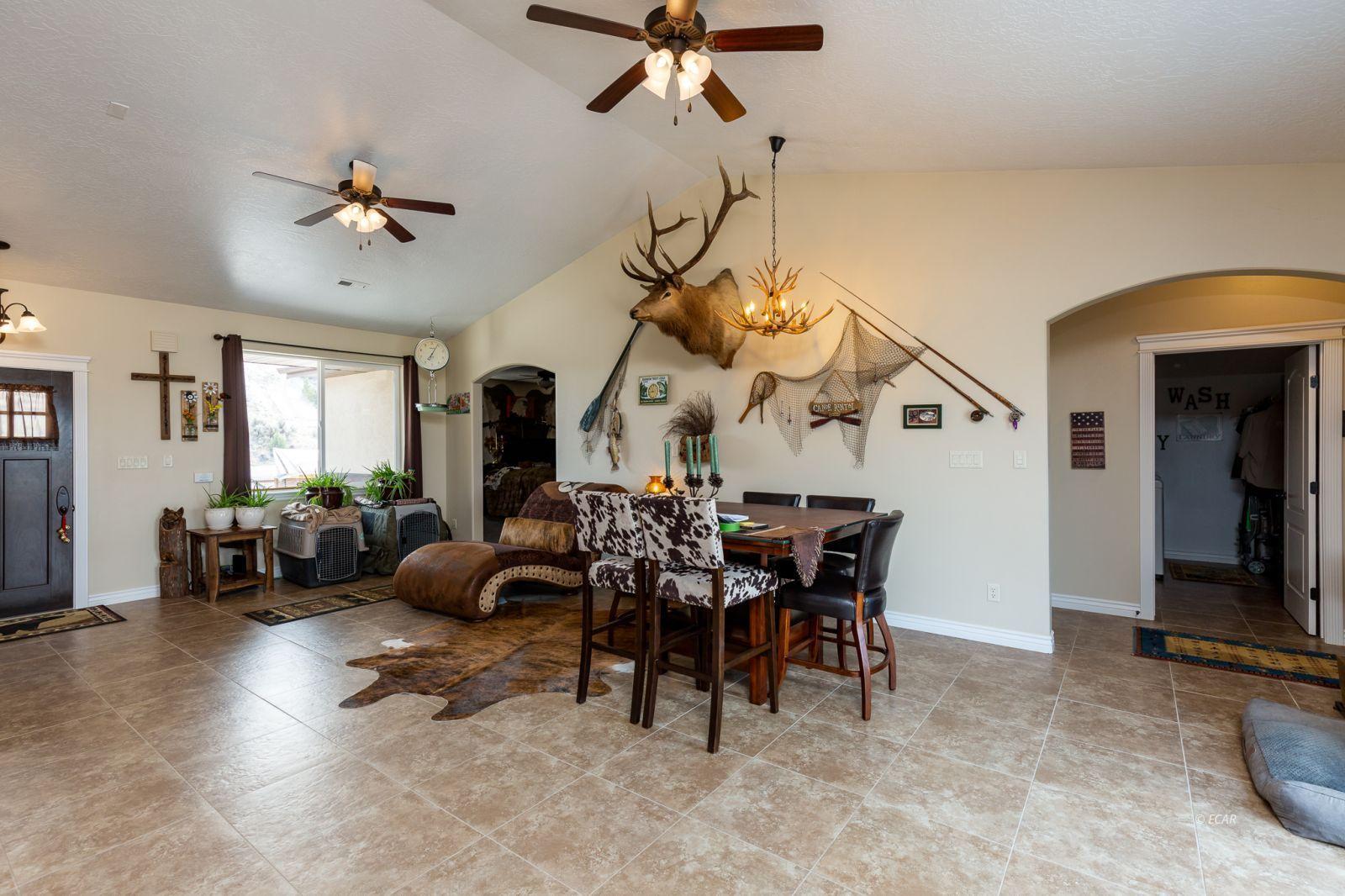648 Spring Creek Parkway Property Photo 6