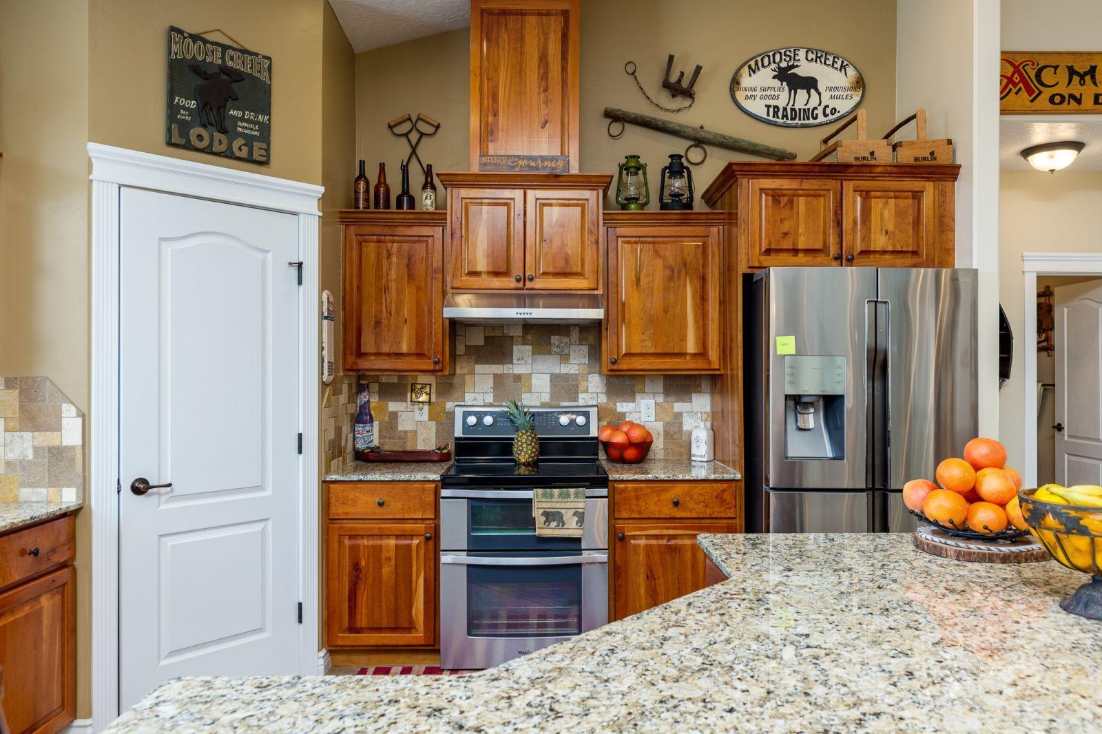 648 Spring Creek Parkway Property Photo 25