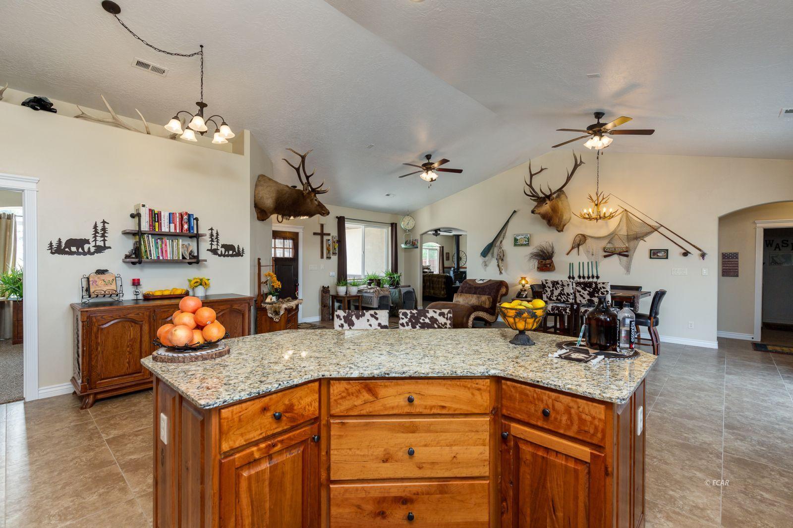 648 Spring Creek Parkway Property Photo 27