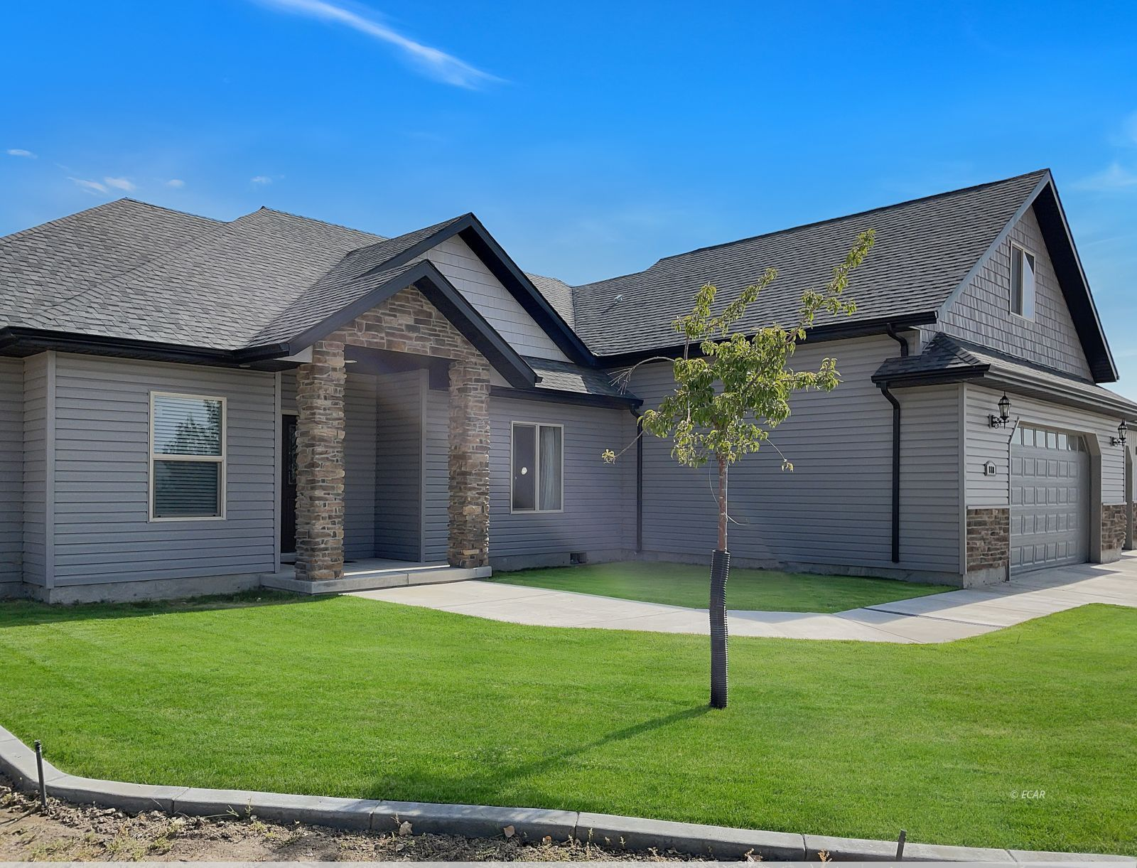 888 Black Oak Drive Property Photo 2