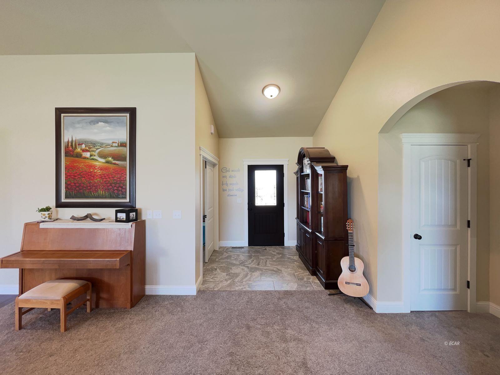 888 Black Oak Drive Property Photo 3