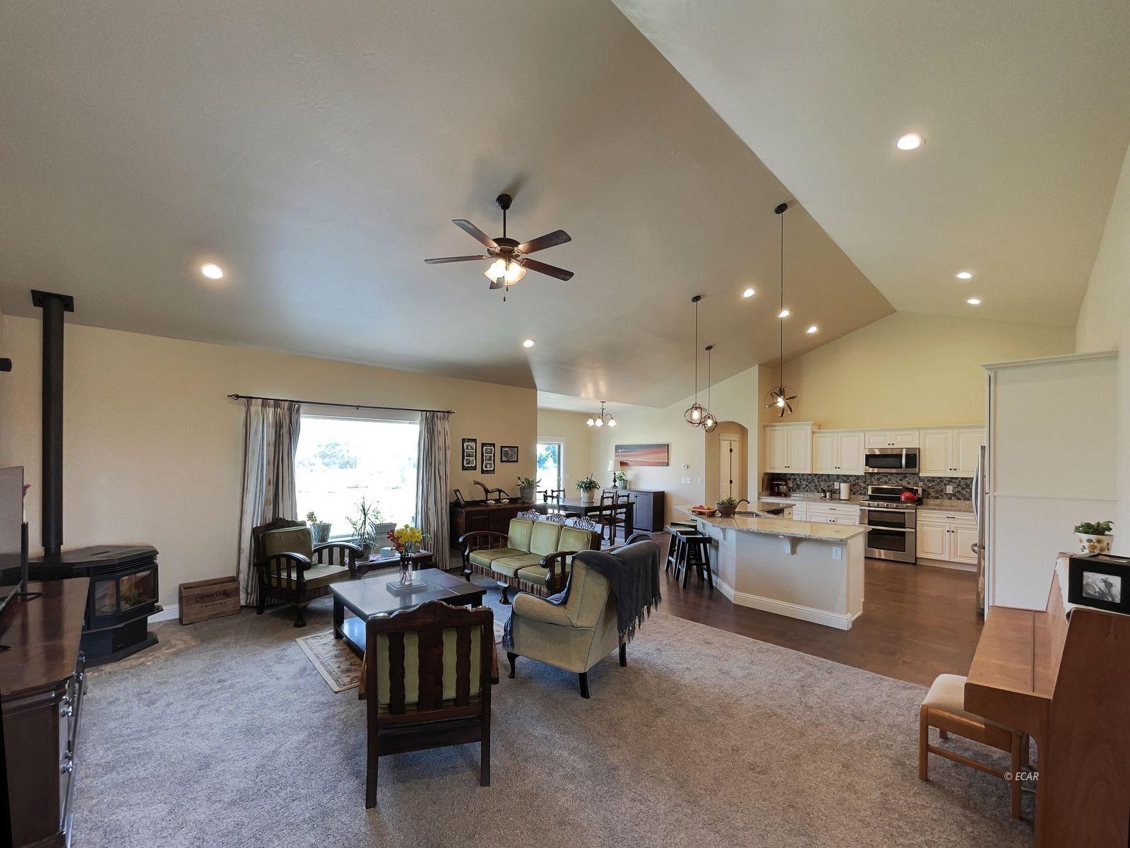 888 Black Oak Drive Property Photo 4