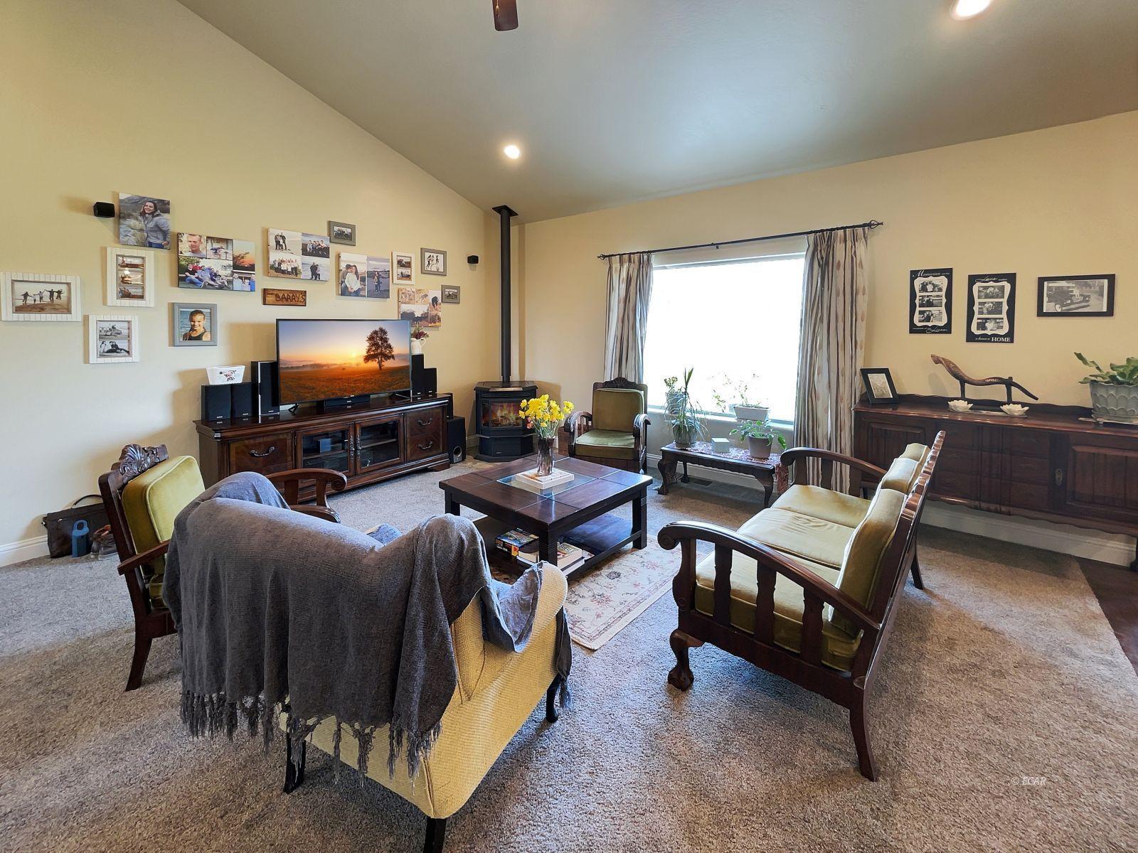 888 Black Oak Drive Property Photo 5