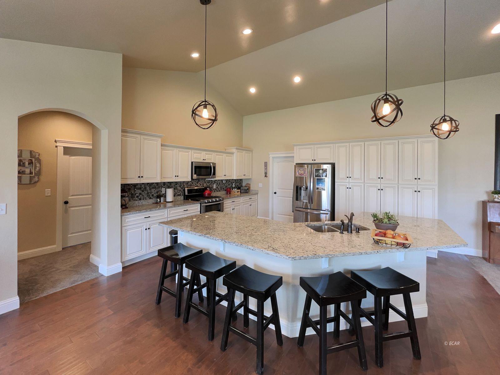 888 Black Oak Drive Property Photo 6