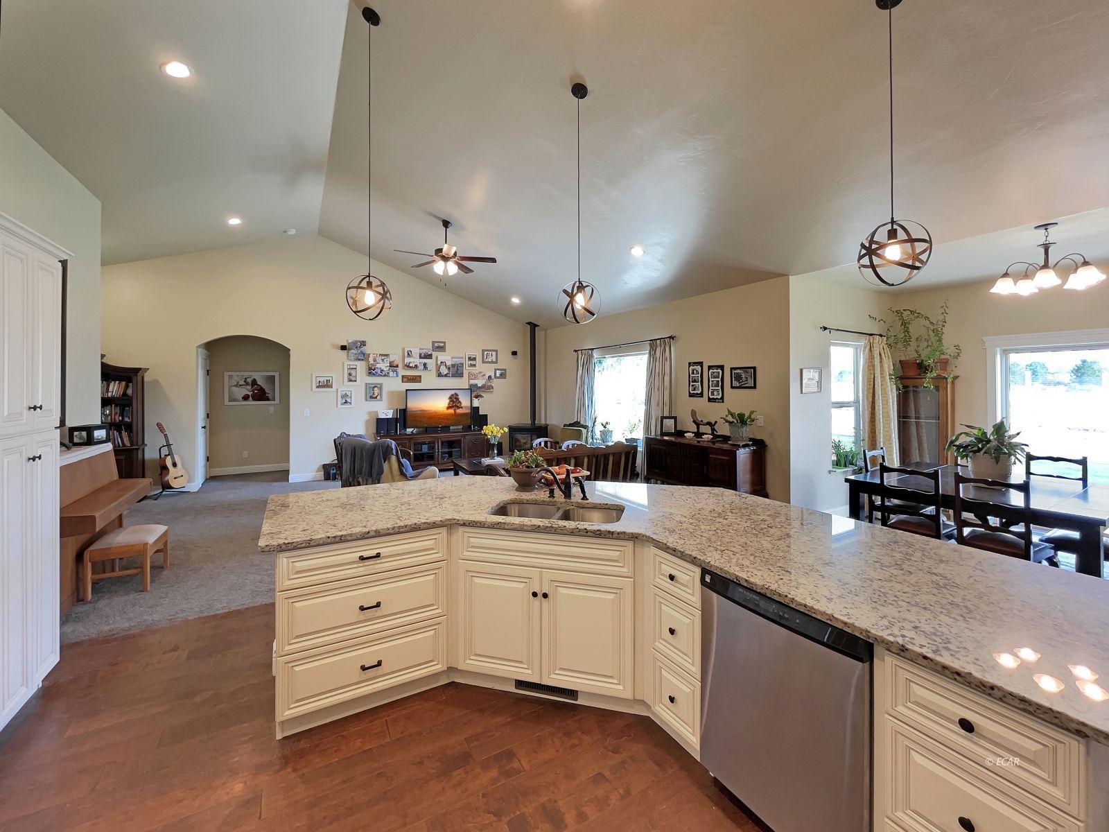 888 Black Oak Drive Property Photo 7