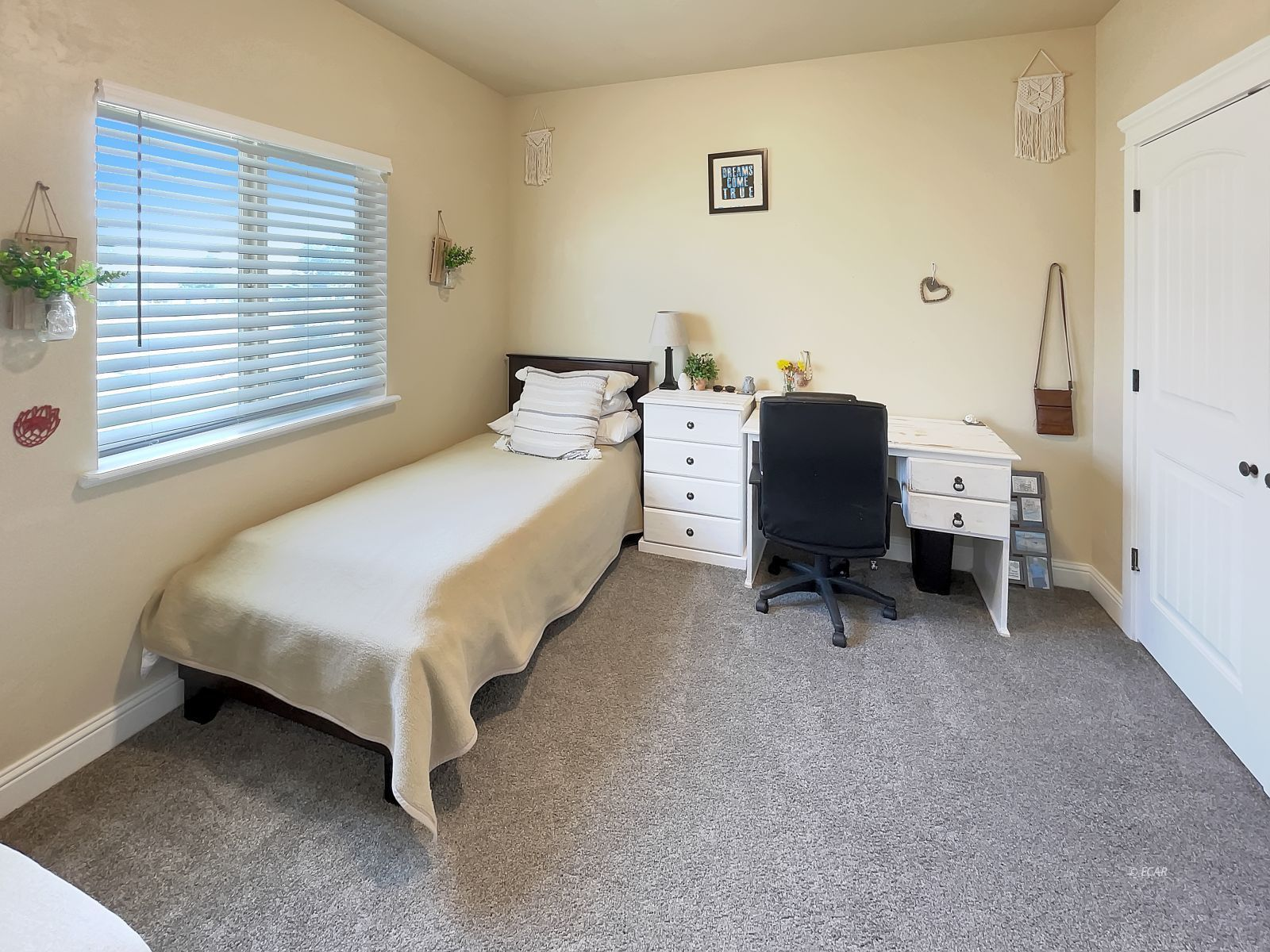 888 Black Oak Drive Property Photo 16
