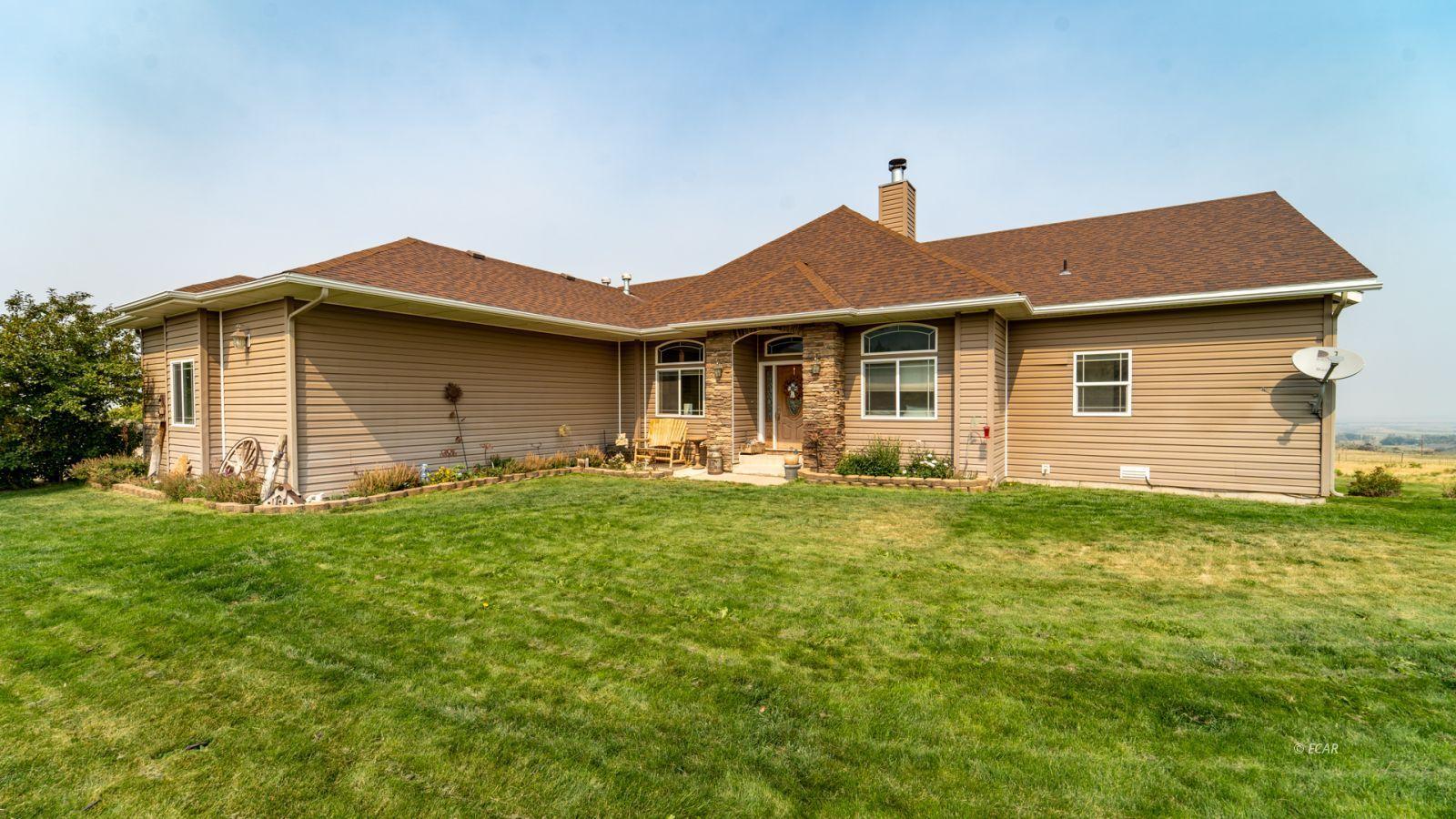 232 Dysart Circle Property Photo 1